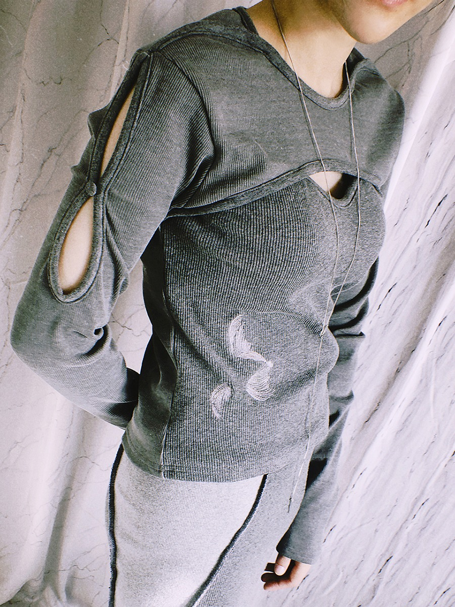 layer open knit top - gray